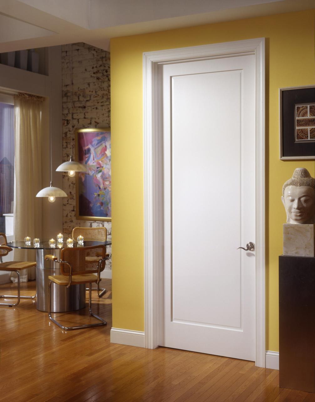 Защо входните врати държат високи цени?