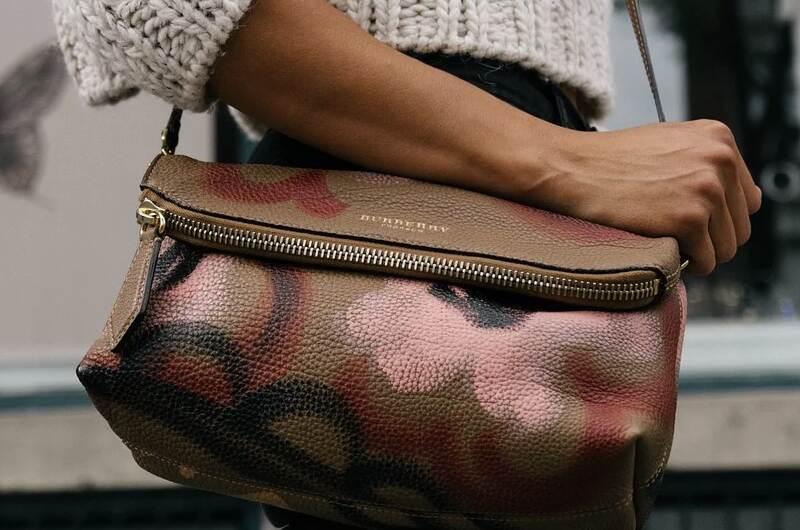 Положителни страни при закупуване на дамски чанти онлайн